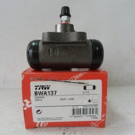 TRW Цилиндр колесный тормозной BWA137 (Daewoo Lanos 1,6)